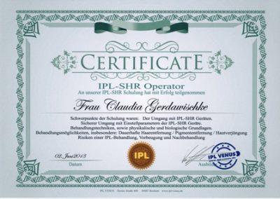 Zertifikat IPL Venus Claudia klein